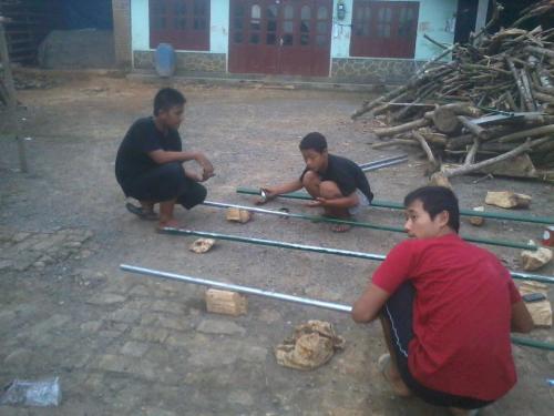 Proses Pembuatan Plang di Pare 2